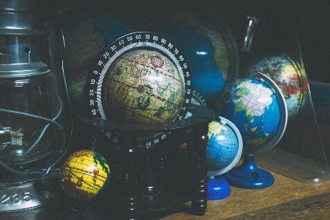 professional translation globes